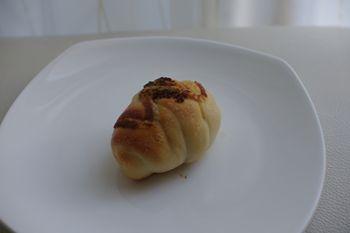 横浜元町にあるカフェ「カフェフゥ(Cafe Four)」のパン
