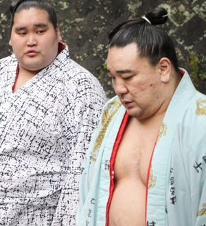 【日馬富士】説教中に貴ノ岩のスマホ鳴り激怒し殴打 白鵬も突き飛ばされ照の富士も数発食らい鶴竜も叱られる