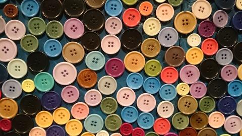 ポール・スミス展 上野の森美術館 ボタンの壁03