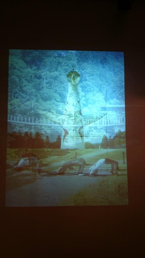 太陽の塔に対峙せよ! ブリッジ・ブリッジ展 展示風景1