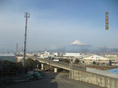 72 車窓からの富士山