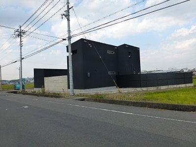090 黒壁の家