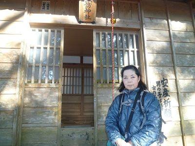 16 諏訪神社・拝殿