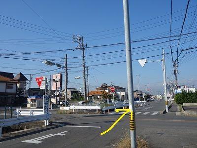 020 越津町交差点(直進)