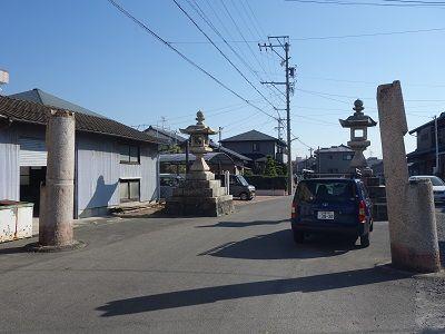 039 津島神社一の鳥居跡(台石のみ)