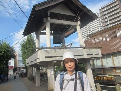 49 時の鐘①(三石神社境内)