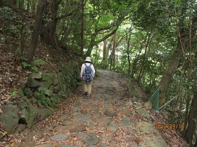 09 旧道最初の石畳道(湯本茶屋)