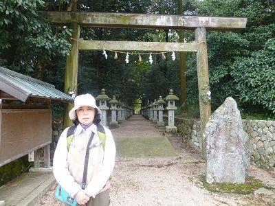 067 布気神社参道入口