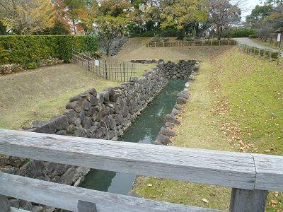 06-① 二の丸水路