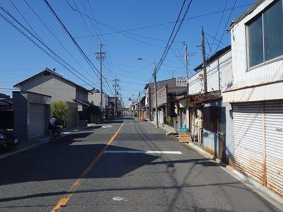 061 岩塚宿の現在の家並み(宿入口から)