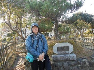 41 056久津部一里塚跡(左側)