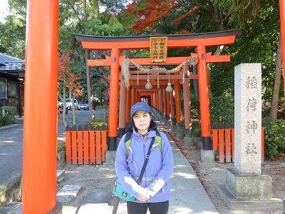 108 稲荷神社・鳥居前