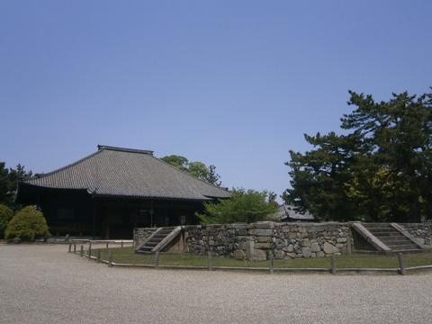 西大寺八角塔基壇