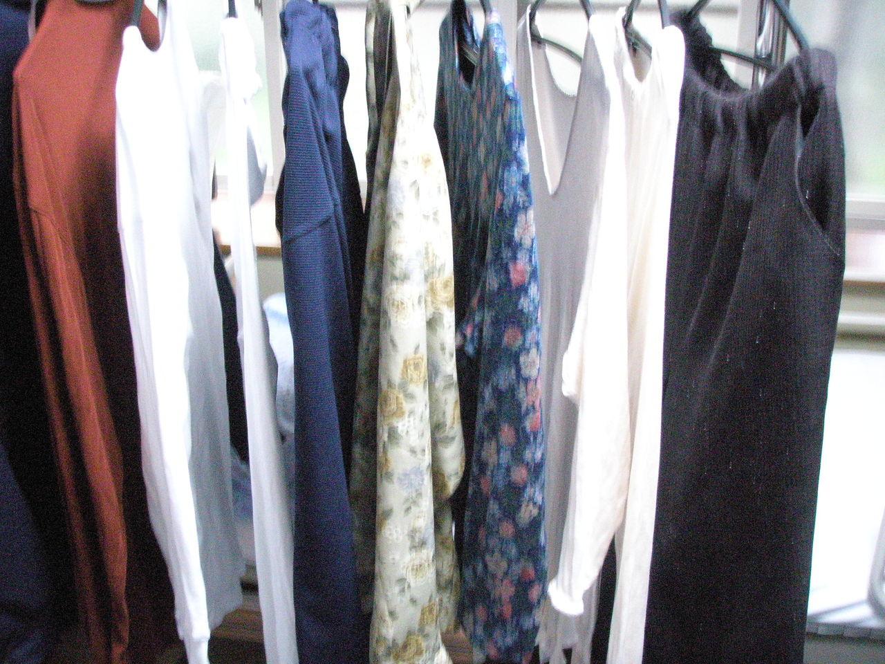 只今孔雀庵の和室には大量の洗濯物があります。この洗濯物は本日デイサービス... アパートメント孔