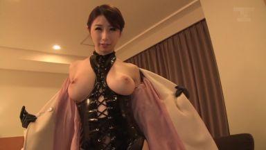 篠田あゆみさん