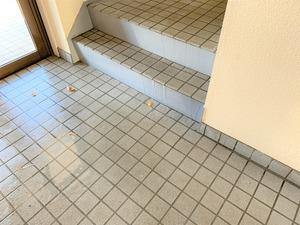 1階エントランス水浸し2-2