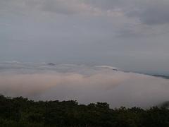 池の段からの雲海(吾妻山方面)