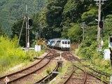 18トロッコ列車去る