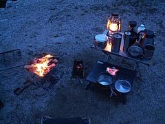 寒い日のキャンプの朝