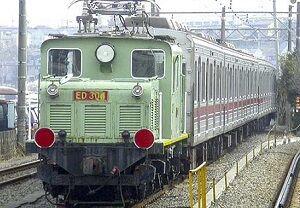 02_メロ_列車01