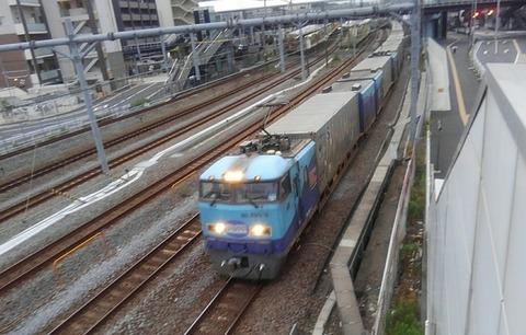 20_にころ_列車01