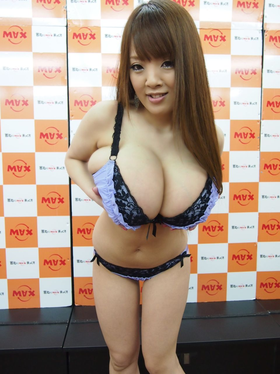 hitomi巨乳投稿画像63枚