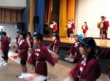 H18雨でセンター内で開催したこだま祭 本宮小学校の生徒たち