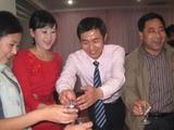 20101029‐8結婚披露宴乾杯は52度のマオタイ酒