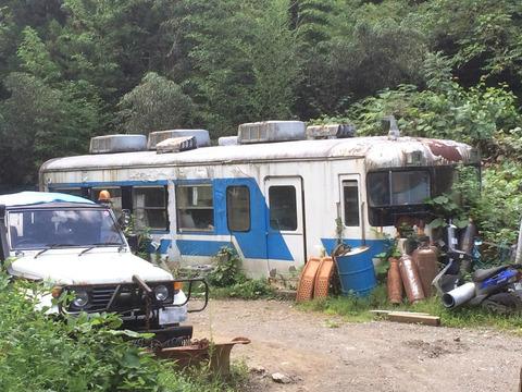 【横瀬】秩父3000形の車体 某会社資材置き場