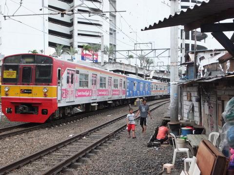 【ジャカルタ】日本の電車を訪ねて 4