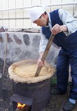 大豆を炊く
