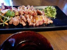 河内鶏タタキ