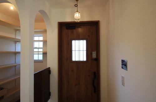 1階ホール 玄関ドア IMG_3887