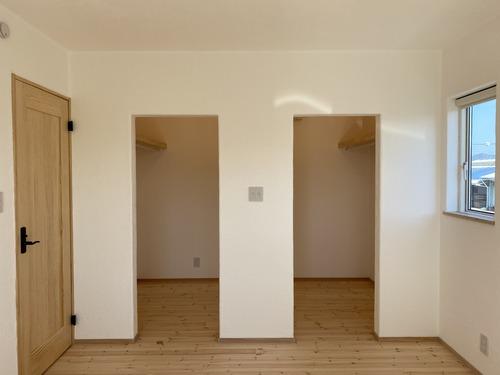 13 寝室よりウォークインクローゼット IMG_0648
