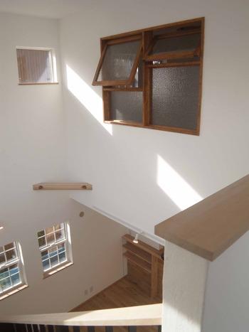 室内木製窓1