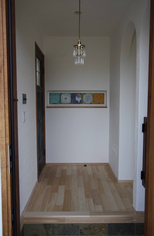 1階ホール 玄関より正面  IMG_4020