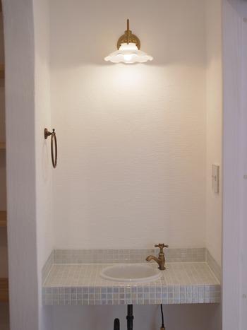 08 手洗い 1階ホール R9199836