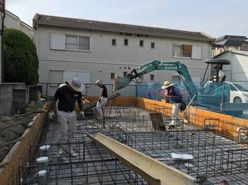 基礎コンクリートを打設しました