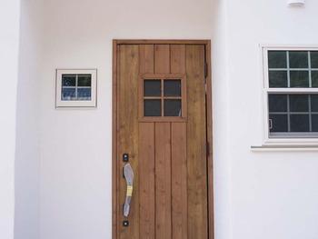 05 玄関ドア R9199819