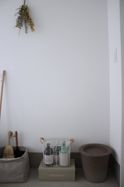玄関、ガーデニンググッズの収納