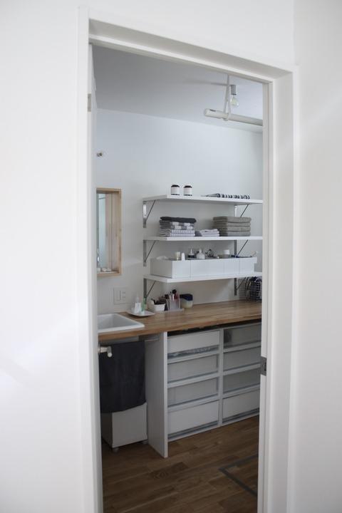 洗面スペースとリピしたバスマット