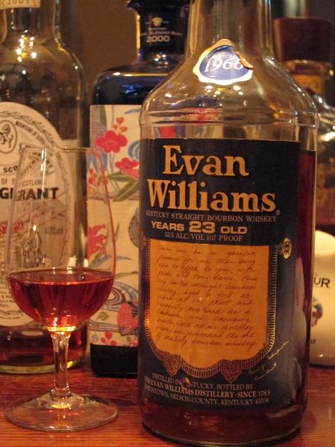 エヴァンウィリアムズ 23年 1966年蒸留 53.5%