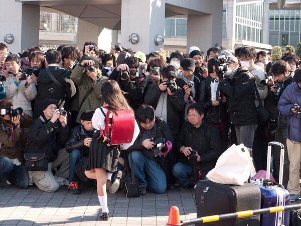 """【社会】大阪は""""ロリコン天国""""か!? マニアが集う「幼女撮影会」 ©2ch.net YouTube動画>11本 ->画像>117枚"""