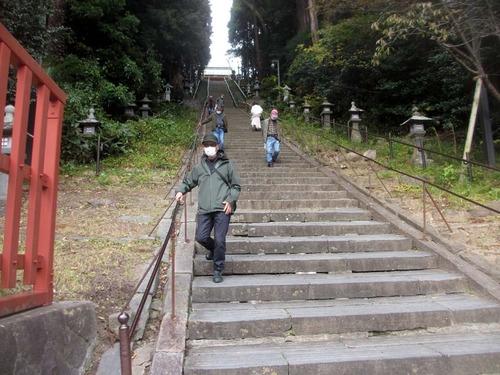 201106塩竃神社石段2IMG_1731