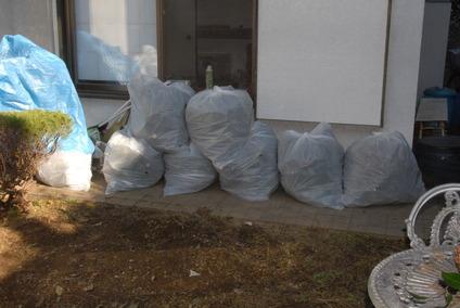 70リットルのゴミ袋の山DSC_5387