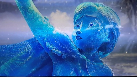 アナの氷像.ストロスの杖でもとに戻ると言われている