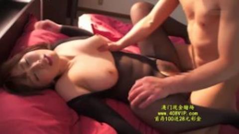 【佐山愛】欲求不満な爆乳人妻の汗だく中出し不倫セックス
