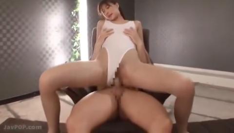 【神波多一花】ハイレグ水着の長身美脚美人と激パコセックス!