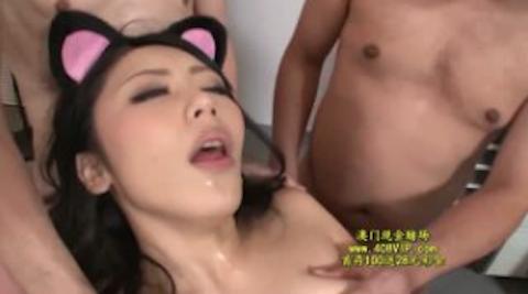 【桜井あゆ】表情がエロすぎる猫耳華奢美人の潮吹き大乱交