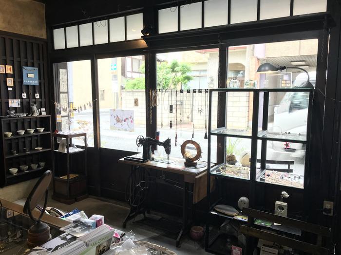 京都両替町通散歩「アートステージ567 コロナ堂」と「喫茶マドラグ」